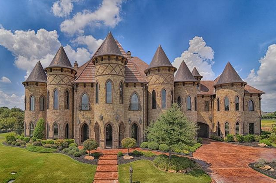 19 000 square foot castle like stone brick mansion in for Castle homes