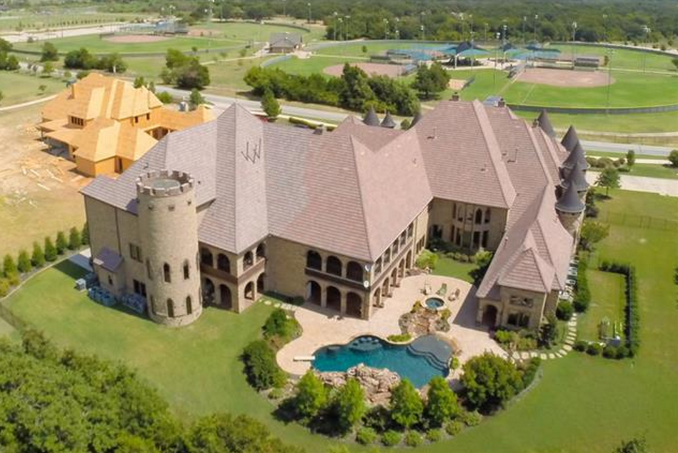 19 000 Square Foot Castle Like Stone Amp Brick Mansion In