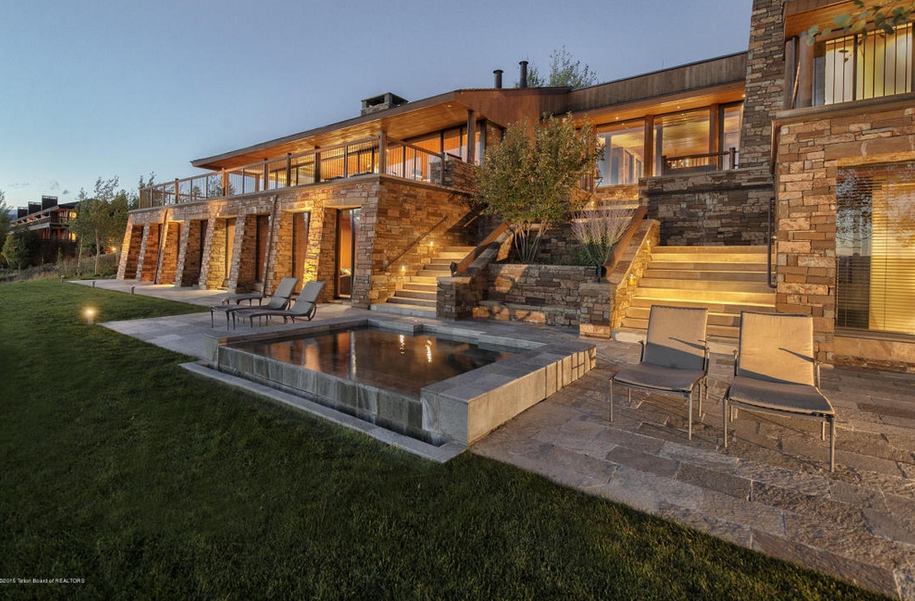 $11.75 Million Mountaintop Mansion In Jackson, WY