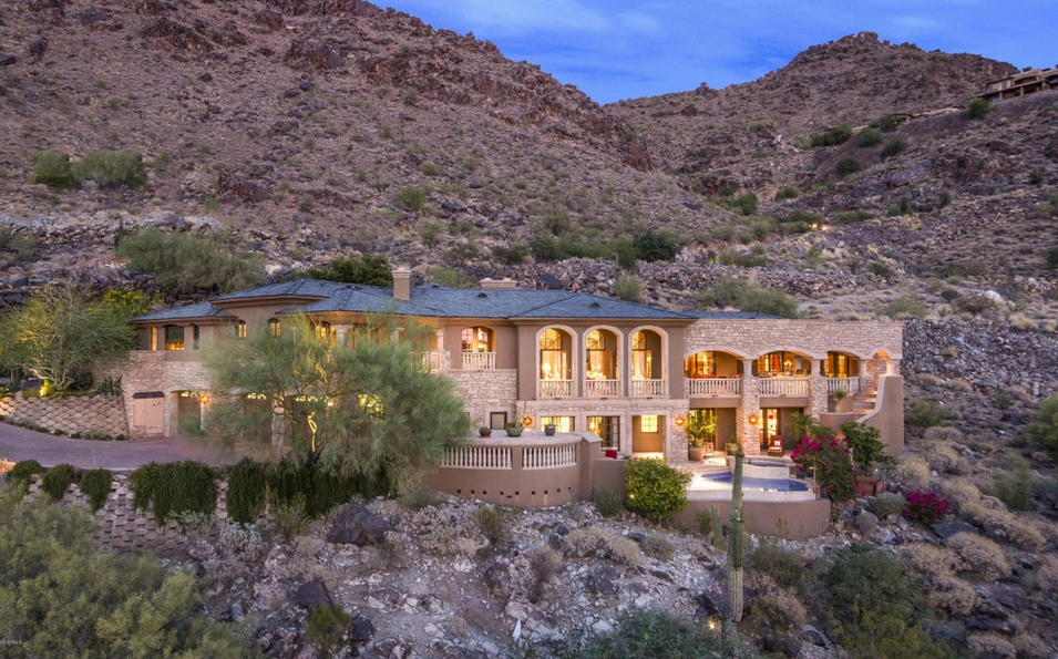 $4.5 Million Stone & Stucco Mansion In Paradise Valley, AZ