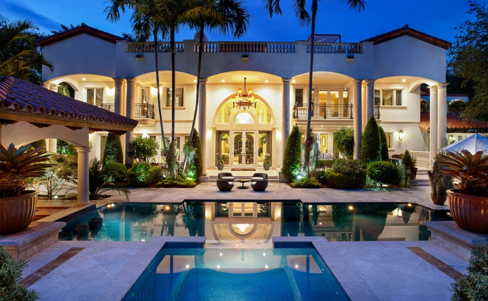 18 9 Million Waterfront Mediterranean Mansion In Coral