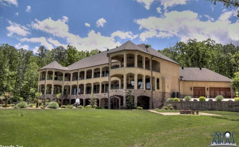 10 000 square foot lakefront mansion in conway ar homes for Home builders in arkansas