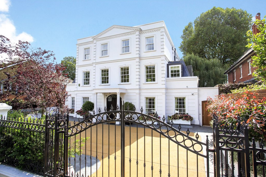 Newly Built Mansion In London England Homes Of The Rich