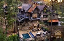 $17.9 Million Wood & Stone Mansion In Bozeman, MT