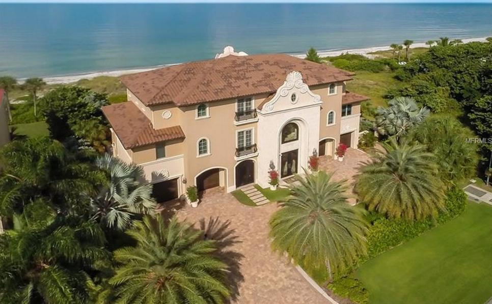 $6.395 Million Waterfront Home In Longboat Key, FL