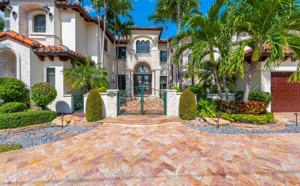 $3.695 Million Tuscan Inspired Waterfront Home In Fort Lauderdale, FL