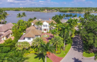 $14.9 Million Waterfront Mansion In Naples, FL