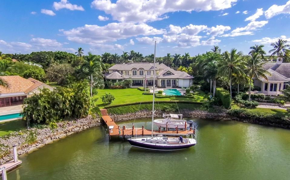 $19.5 Million Waterfront Mansion In Naples, FL