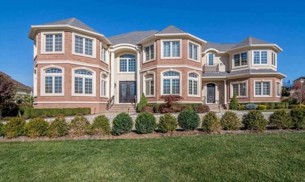 $2.9 Million Brick & Stucco Home In Livingston, NJ