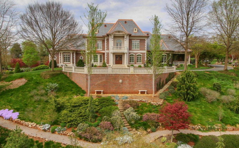13,000 Square Foot Brick Mansion In Knoxville, TN