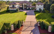 $2.89 Million Mediterranean Lakefront Home In Naples, FL