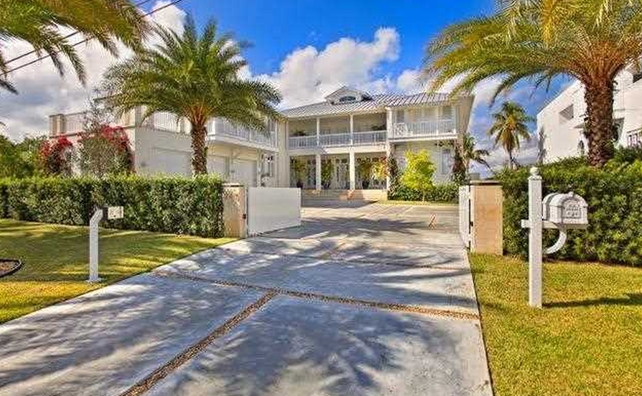18 Million Newly Built Waterfront Home In Key Biscayne