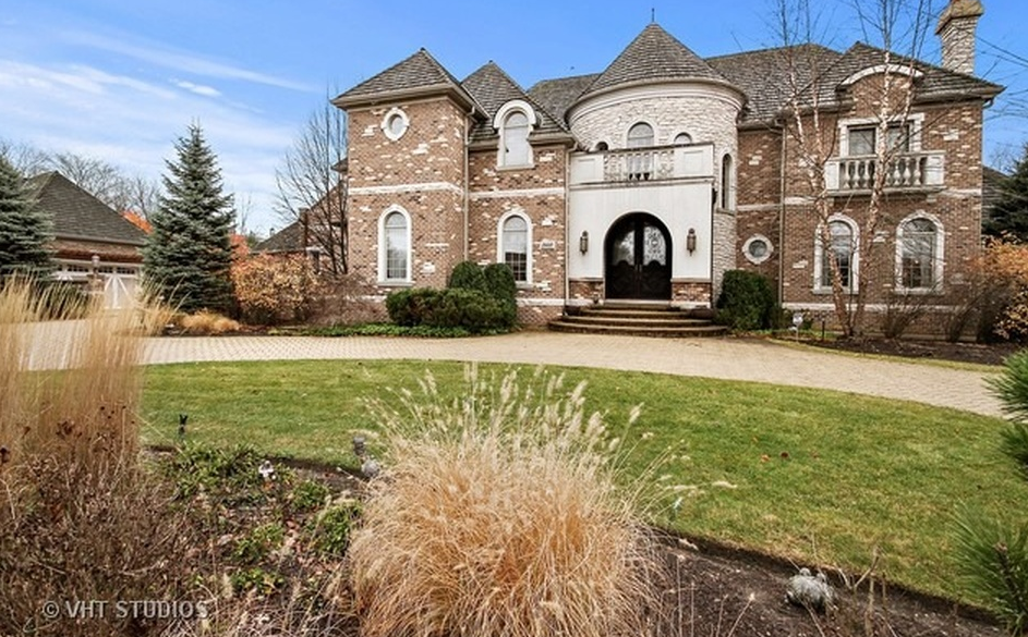 10,000 Square Foot Brick Mansion In Riverwoods, IL