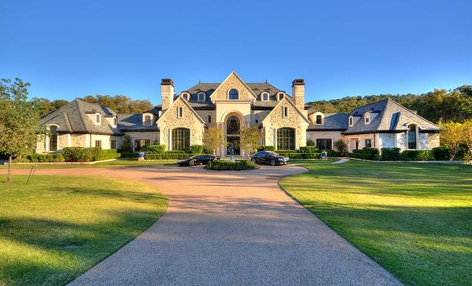 $14.8 Million 19,000 Square Foot Lakefront Mansion In Austin, TX