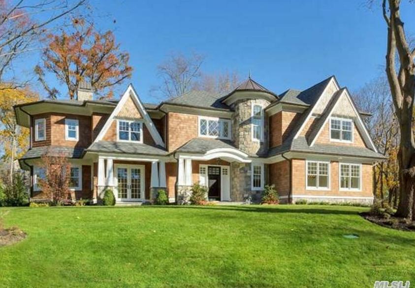 $3.9 Million Newly Built Shingle & Stone Home In Manhasset, NY