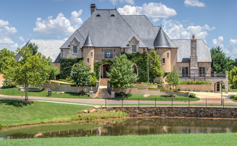 $3.495 Million Country Club Mansion In Oklahoma City, OK