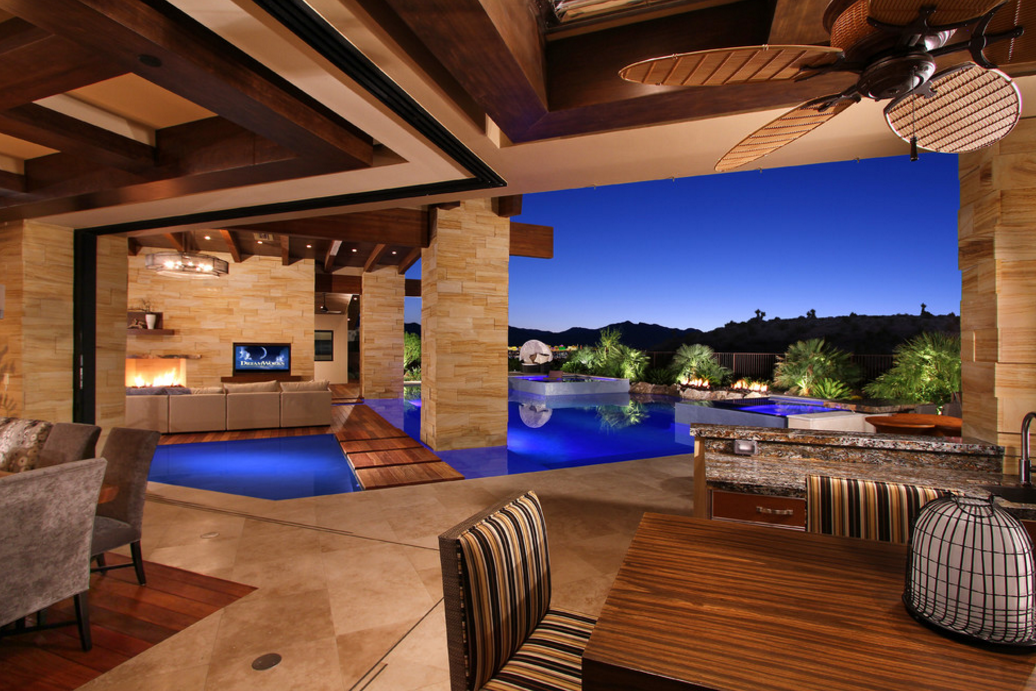 Waters Edge A Stunning Contemporary Mansion In Las Vegas
