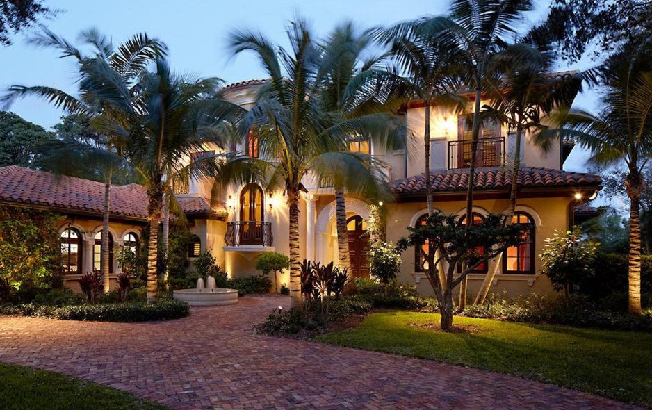 $7.495 Million Waterfront Mansion In North Palm Beach, FL