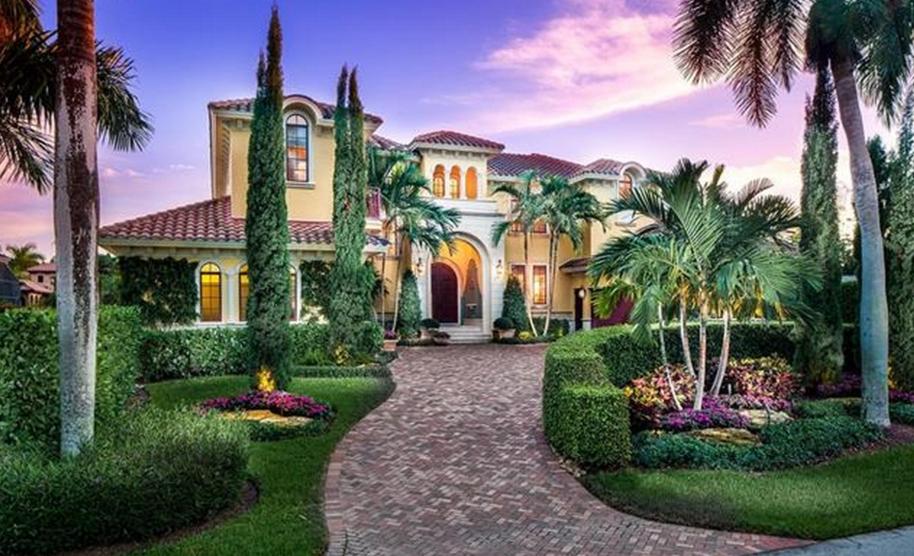 $5.25 Million Mediterranean Waterfront Home In Naples, FL