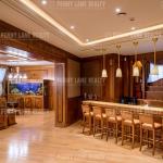 Lounge w/ Wet Bar