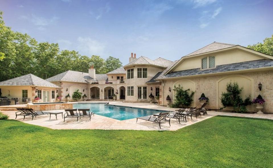 $6.995 Million French Inspired Brick & Stucco Home In Bridgehampton, NY