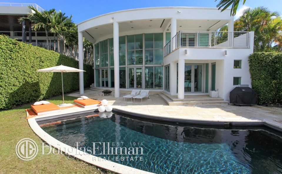 $7.85 Million Contemporary Waterfront Home In Miami Beach, FL