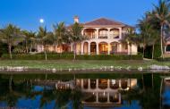 $7.45 Million Lakefront Mansion In Naples, FL