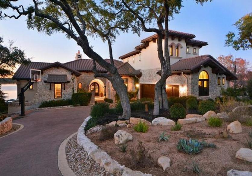 $3.295 Million Stone & Stucco Waterfront Home In Austin, TX