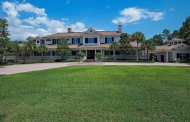 $8.9 Million Lakefront Estate In Naples, FL