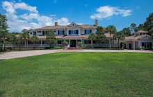 $8.9 Million Lakefront Estate In Naples, FL