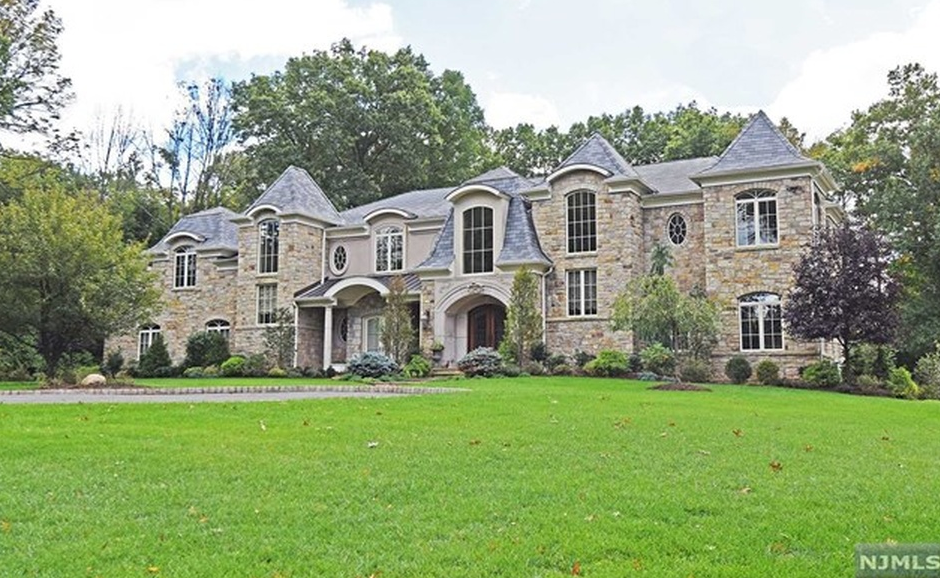 $4.2 Million Stone & Stucco Mansion In Saddle River, NJ