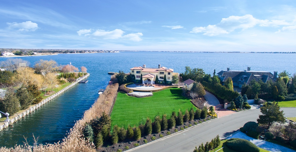 $6.5 Million Waterfront Mansion In Remsenburg, NY