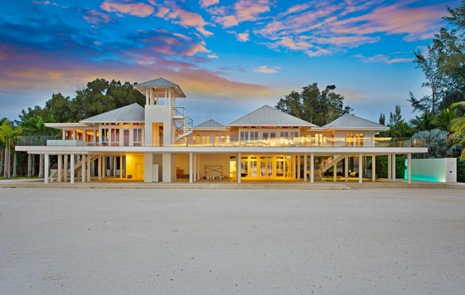 Aquadisia - An $18 Million Waterfront Estate In Sarasota, FL