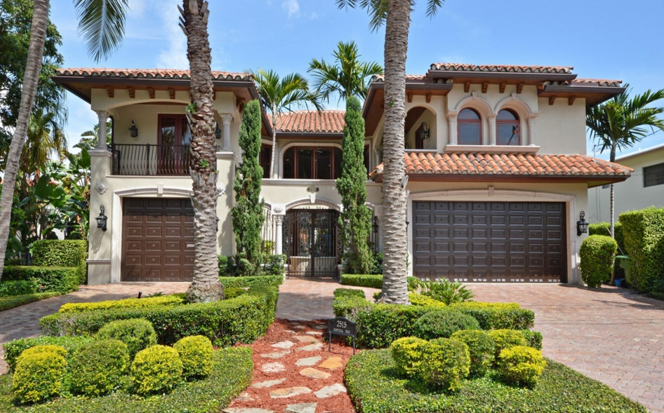 $3.7 Million Mediterranean Waterfront Home In Fort Lauderdale, FL
