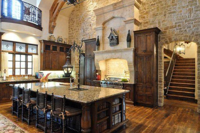 16 rustic gourmet kitchens homes of the rich for Gourmet kitchen designs