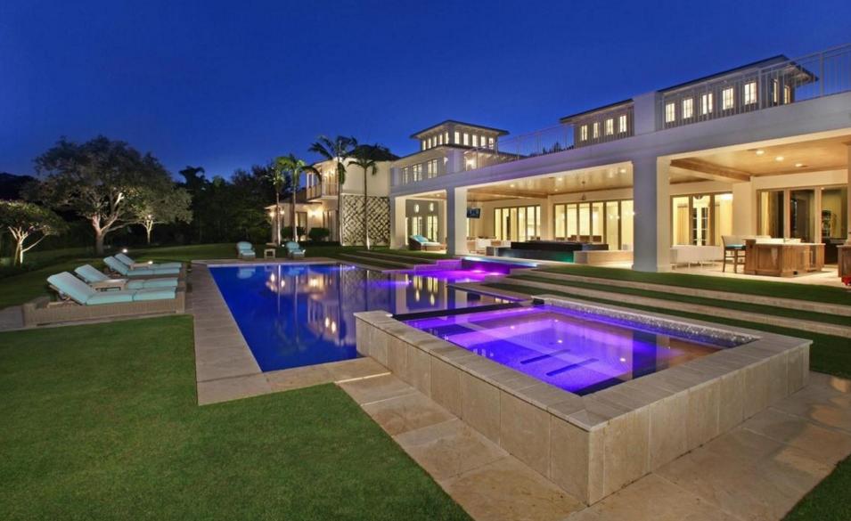 $10.995 Million Golf Club Mansion In Palm Beach Gardens, FL