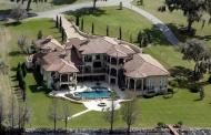 $3.5 Million Mediterranean Lakefront Mansion In Thonotosassa, FL