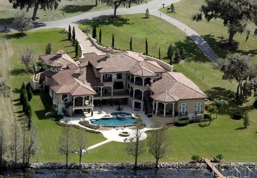 $3.5 Million Mediterranean Lakefront Mansion In Thonotosassa, FL