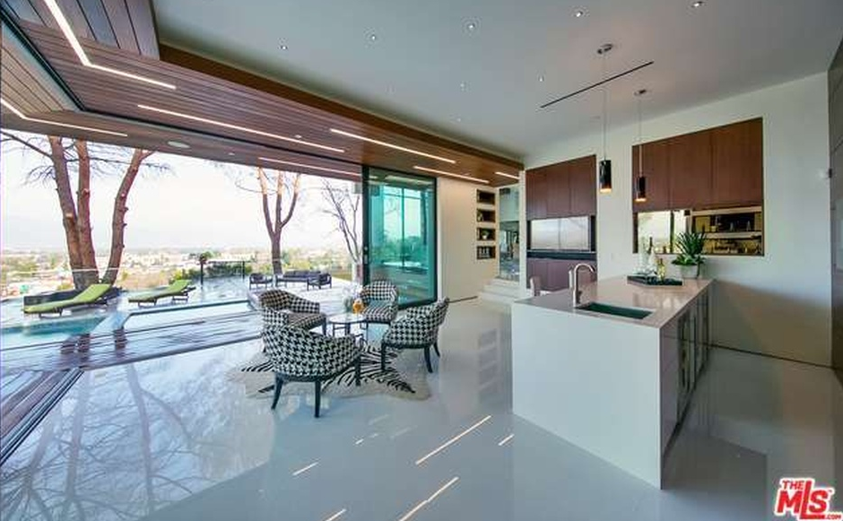 8 5 Million Newly Built Contemporary Home In Studio City