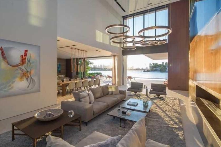 Casa Clara A 35 9 Newly Built Contemporary Beachfront Mansion In Miami Beach Fl Homes Of
