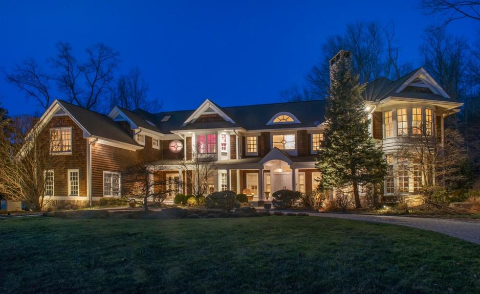 $2.375 Million Shingle Mansion In Norwood, NJ