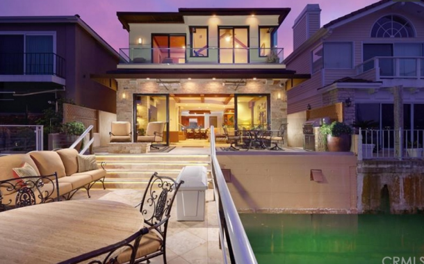$6.395 Million Contemporary Waterfront Home In Newport Beach, CA