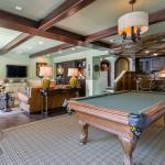 Billiards/Rec Room w/ Wet Bar