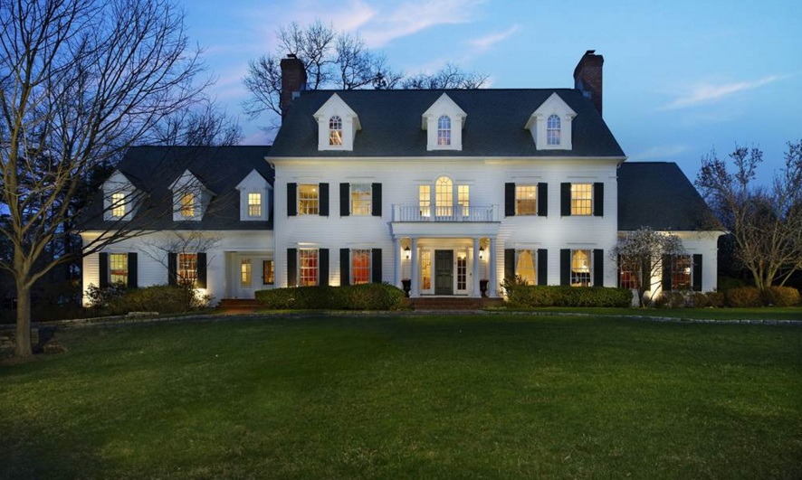 $6.995 Million Colonial Mansion In Scarsdale, NY
