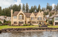 $3.275 Million Lakefront Home In Kirkland, WA