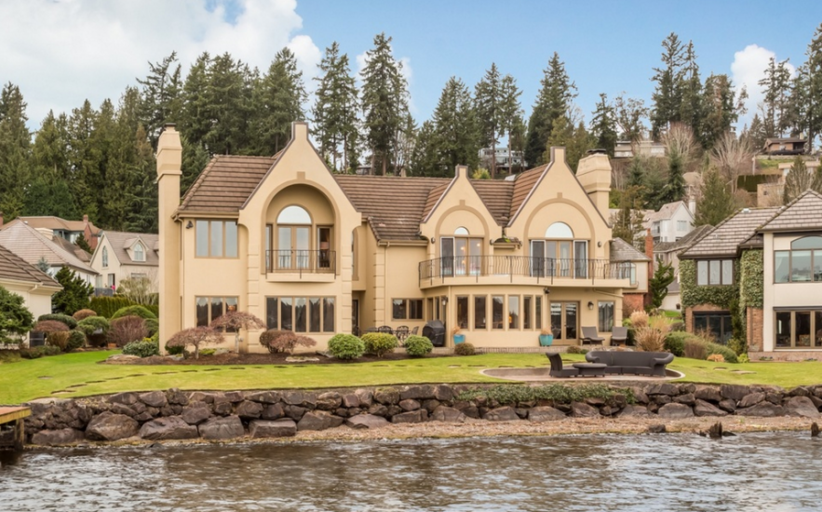 $3.275 Million Lakefront Home In Kirkland, WA