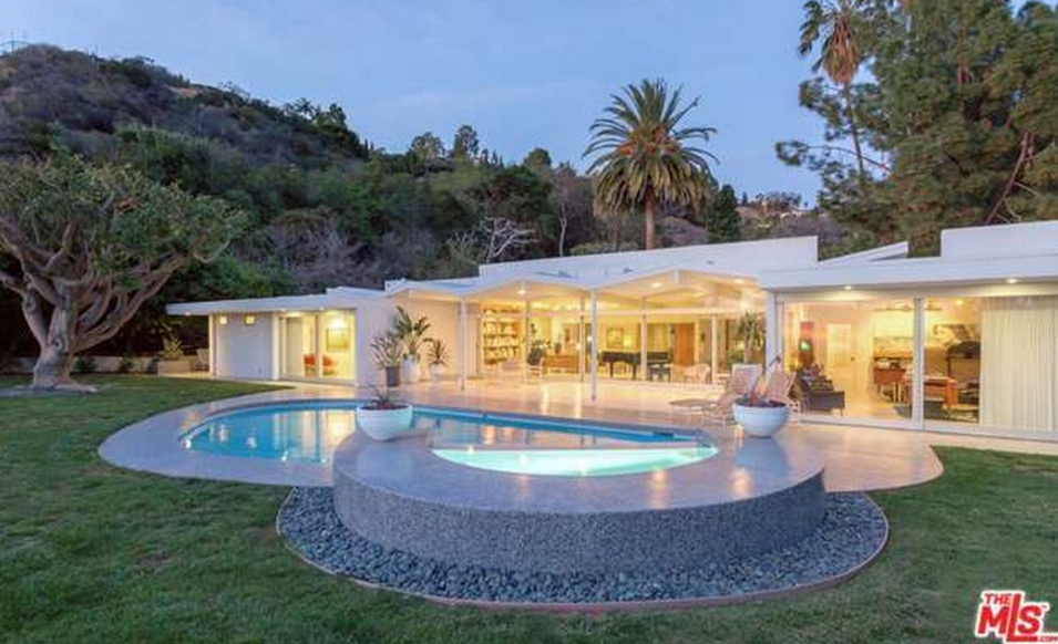 $8.995 Million Modern Home In Beverly Hills, CA