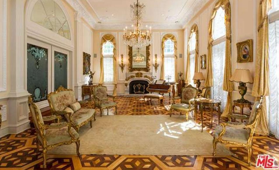 14 998 Million European Inspired Mansion In Beverly Hills