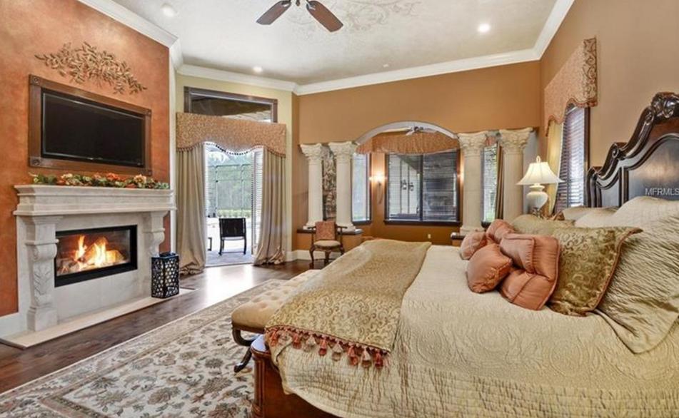 3 995 Million Mediterranean Lakefront Mansion In Windermere Fl Homes Of The Rich