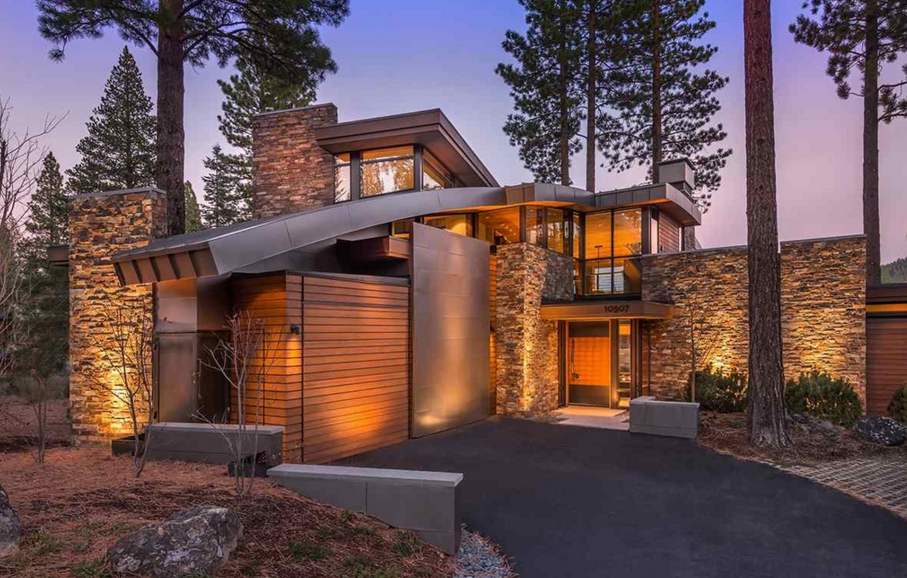 $4.295 Million Contemporary Home In Truckee, CA